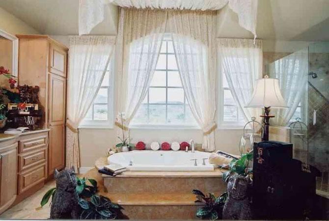 интерьер комнаты для трёх человет